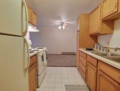 Alden Pines Apartments - 2 Bedroom - Kitchen