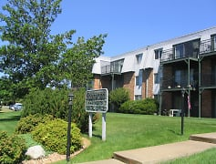 Robinwood Apartments - Coon Rapids, MN