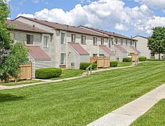 Building, Pennswood Apartments & Townhomes, 0