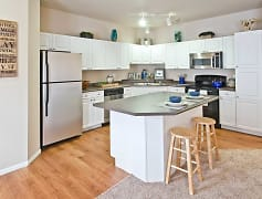 Kitchen, Hearthstone Apartments And Townhomes, 0