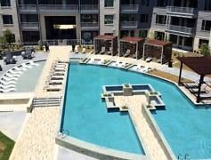 Newly built Luxury pool!