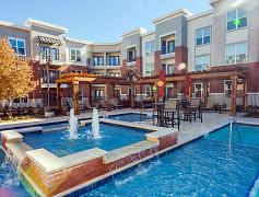 Pool, Gateway Crossing, 0