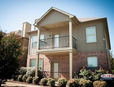 Building, Chester Hills Townhomes, 0