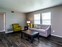 Living Area at the Westwood Park Apartments in Norman, OK