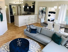 Living Room, The Trails At Pioneer Meadows, 0