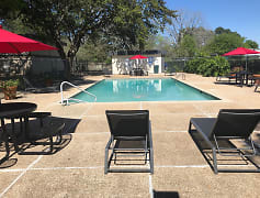 Resort Style Pool at the Acadia Park Apartments in Houma, LA
