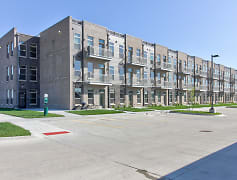 Building, Brick Towne at Waukee Central, 0