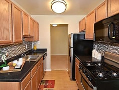 Kitchen, Montgomery Trace Apartment Homes, 0