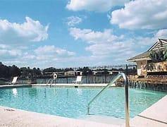 Enjoy Lakeside Living at Lake Vista Apartments!