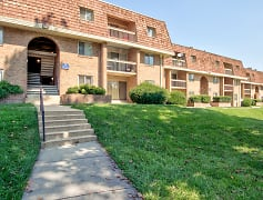 Building, Crystal Springs Apartments, 0