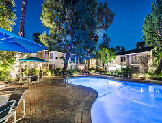 Year-round resort-style heated pool at Village Pointe Apartment Homes