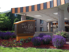 The Edge of Uptown Apartments - St. Louis Park, MN