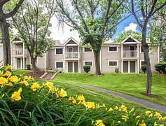 Building, Williamsburg Estates, 0