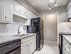Galley kitchen with white granite tops, white cabinets, subway tile backsplash and stainless steel appliances (Scheme 1)