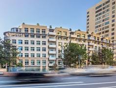Building, Wilshire Margot: ONLINE TOURS & LEASING, 0