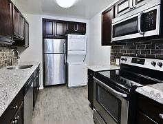 Kitchen, Skylark Pointe Apartment Homes, 0