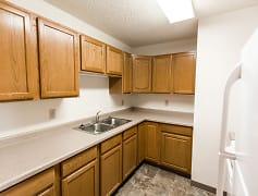 Arbor 400 Apartments - Kitchen