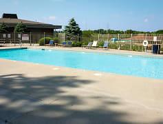 Large Outdoor Pool Grandridge Apartments Townhomes Omaha
