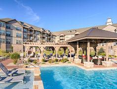 Pool, The Seasons of Carmel, 0