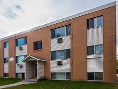 College Park Apartments - Moorhead, MN
