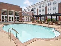 Pool, 100 Park at Wyomissing Square, 0