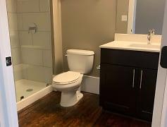 Bathroom, Mill on Main, 0