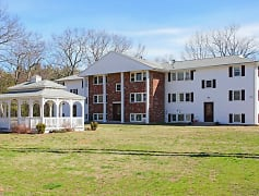 Building, Country Manor Apartments, 0