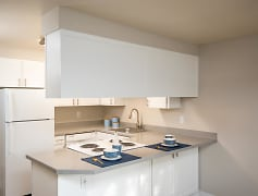 Coho Run Apartments - Two Bedroom - Kitchen