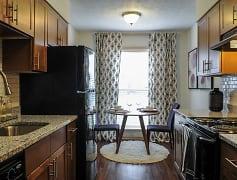 Kitchen, 1500 Oak, 0