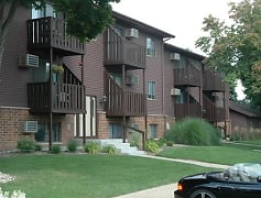 Building, Chestnut Hills Apartments, 0