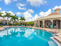 Cool off from the Florida sun in our beautiful sparkling pool. Enjoy free Wi-Fi by the pool as well!