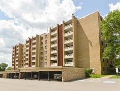 Building, Carriage Park Apartments, 0