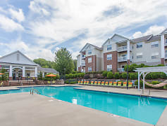 Make a splash this summer at Hawthorne at Main's sparkling swimming pool