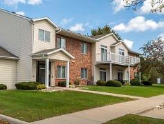 Enjoy a quiet, neighborhood apartment within minutes of Iowa State.