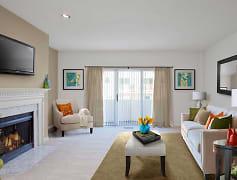 Living Room, eaves Stamford, 0