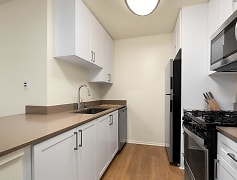Finish Package II kitchen