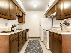 White Kitchen Appliances at White Lakes Apartments in Topeka, Kansas