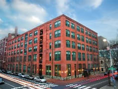 Located within walking distance of the business district of Center City Philadelphia