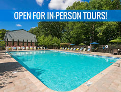 Take a refreshing dip in our resort-style swimming pool. We are excited to offer in-person tours while following social distancing and we encourage all visitors to wear a face covering.
