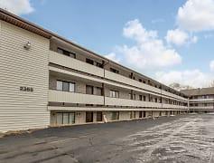 Building, East Market & Tudor Apartments - Ellet Area, 0
