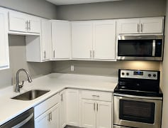 Kitchen, Cypress Pointe, 0