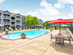 Pool, Parkway Commons, 0