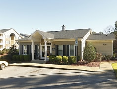 Welcome home to Summerlyn Cottages in Fayetteville, NC