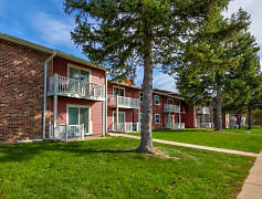 Country Pines Apartments