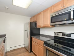 Kitchen, Shorewood Apartments, 0