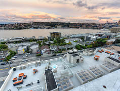Pool, Summit at Lake Union, 0