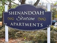 Community Signage, Shenandoah Station in the Park, 0