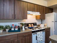 Fully-Equipped Kitchens with Energy Efficient Gas Appliances & Pantries