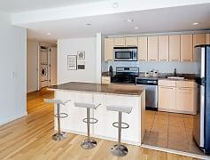 Three-bedroom apartment 810 kitchen