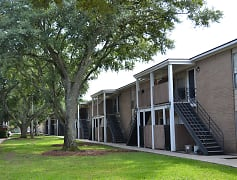 Building, Bayou Oaks Apartment Homes, 0